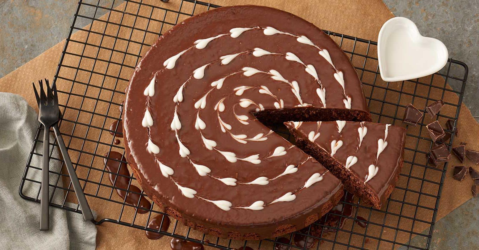Chokoladekage med hjertet til Valentines med Toppits